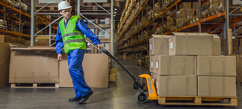 An optimal warehouse management fulfilment strategy provides high level customer service for buyers